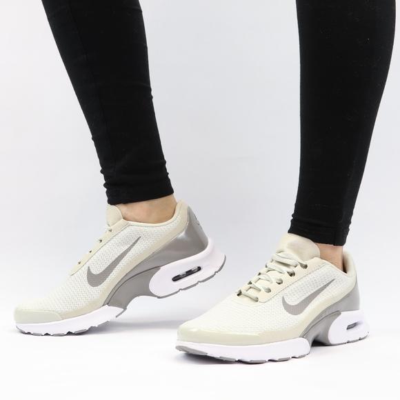 cd33a4ddec NEW Nike Air Max Jewell Women's Shoe Light Bone. M_5bd7c8c14ab633c982f89fe9